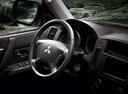 Фото авто Mitsubishi Pajero 4 поколение [рестайлинг], ракурс: рулевое колесо