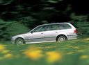 Фото авто BMW 5 серия E39, ракурс: 90 цвет: серебряный