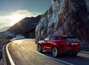 Фото авто Jaguar F-Pace 1 поколение, ракурс: 135 цвет: красный