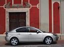 Фото авто Mazda 3 BK [рестайлинг], ракурс: 270 цвет: серебряный