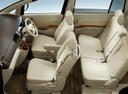 Фото авто Toyota Isis 1 поколение [рестайлинг], ракурс: сиденье