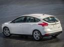 Фото авто Ford Focus 3 поколение [рестайлинг], ракурс: 135 цвет: белый