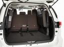 Фото авто Toyota Fortuner 2 поколение, ракурс: багажник цвет: белый