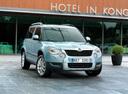 Фото авто Skoda Yeti 1 поколение, ракурс: 315 цвет: синий