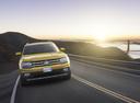 Фото авто Volkswagen Teramont 1 поколение,  цвет: желтый