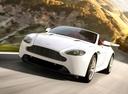 Фото авто Aston Martin Vantage 3 поколение [2-й рестайлинг], ракурс: 45 цвет: белый