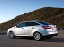 Фото авто Ford Focus 3 поколение, ракурс: 135 цвет: серебряный