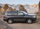 Фото авто Toyota Land Cruiser J200 [рестайлинг], ракурс: 270 цвет: серый