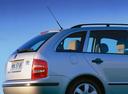 Фото авто Skoda Fabia 6Y, ракурс: боковая часть