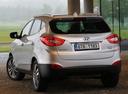 Фото авто Hyundai ix35 1 поколение [рестайлинг], ракурс: 135 цвет: серебряный