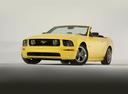 Фото авто Ford Mustang 5 поколение, ракурс: 45 цвет: желтый