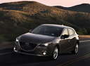 Фото авто Mazda 3 BM, ракурс: 45 цвет: серый