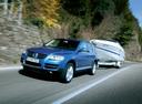 Фото авто Volkswagen Touareg 1 поколение, ракурс: 45 цвет: синий