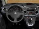 Фото авто Citroen Berlingo 2 поколение, ракурс: рулевое колесо