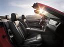 Фото авто Ford Mustang 5 поколение [2-й рестайлинг], ракурс: сиденье