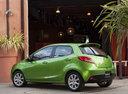 Фото авто Mazda 2 DE [рестайлинг], ракурс: 135 цвет: зеленый