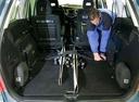 Фото авто Mazda MPV LW [рестайлинг], ракурс: багажник