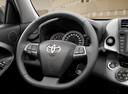 Фото авто Toyota RAV4 3 поколение [2-й рестайлинг], ракурс: рулевое колесо