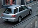 Фото авто Subaru Impreza 2 поколение, ракурс: 225 цвет: серебряный