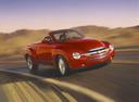 Фото авто Chevrolet SSR 1 поколение, ракурс: 315 цвет: красный
