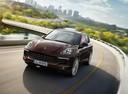 Фото авто Porsche Cayenne 958 [рестайлинг], ракурс: 45 цвет: бордовый