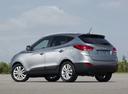 Фото авто Hyundai ix35 1 поколение, ракурс: 90 цвет: серебряный