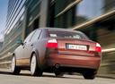 Фото авто Audi A4 B6, ракурс: 135 цвет: красный