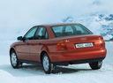 Фото авто Audi A4 B5, ракурс: 135 цвет: красный
