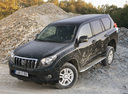 Фото авто Toyota Land Cruiser Prado J150, ракурс: 45 цвет: черный