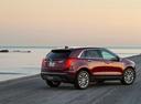 Фото авто Cadillac XT5 1 поколение, ракурс: 225 цвет: красный