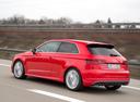 Фото авто Audi S3 8V, ракурс: 135 цвет: красный