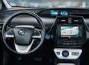 Новый Toyota Prius, белый акрил, 2017 года выпуска, цена 2 144 000 руб. в автосалоне Тойота Центр Оренбург
