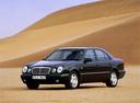 Фото авто Mercedes-Benz E-Класс W210/S210, ракурс: 45 цвет: черный