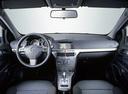 Фото авто Opel Astra Family/H [рестайлинг], ракурс: торпедо
