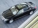 Фото авто Mercedes-Benz S-Класс W222/C217/A217, ракурс: сверху цвет: черный