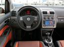 Фото авто Volkswagen Touran 1 поколение [рестайлинг], ракурс: торпедо