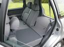 Фото авто Kia Carens 2 поколение, ракурс: задние сиденья