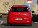 Фото авто Fiat Punto 3 поколение [2-й рестайлинг], ракурс: 180 цвет: красный
