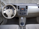 Фото авто Nissan Versa 1 поколение, ракурс: торпедо