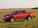 Фото авто Nissan NP300 1 поколение, ракурс: 90 цвет: красный