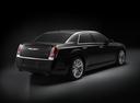Фото авто Chrysler 300C 2 поколение, ракурс: 225 цвет: черный