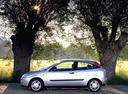 Фото авто Ford Focus 1 поколение, ракурс: 90 цвет: серебряный