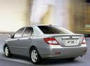 Фото авто BYD F3 1 поколение, ракурс: 135 цвет: серебряный