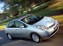 Фото авто Toyota Prius 2 поколение, ракурс: 315 цвет: серебряный
