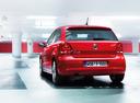 Фото авто Volkswagen Polo 5 поколение, ракурс: 180 цвет: красный