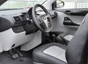 Фото авто Toyota iQ 1 поколение, ракурс: торпедо