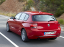 Фото авто BMW 1 серия F20/F21, ракурс: 135 цвет: красный