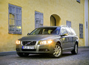 Фото авто Volvo V70 3 поколение, ракурс: 45