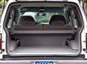 Фото авто Ford Explorer 2 поколение, ракурс: багажник