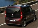 Фото авто Fiat Doblo 2 поколение, ракурс: 225 цвет: бордовый